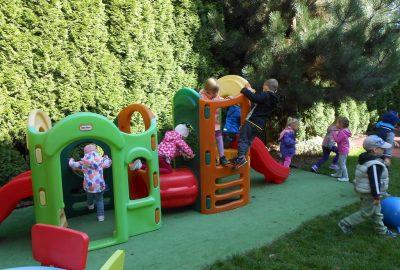 W przedszkolnym ogródku